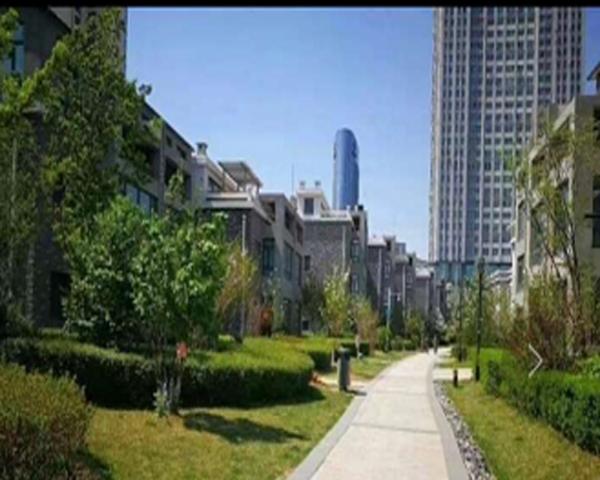 美域江岛小区38层,使用面积62米,私产卖价72万.